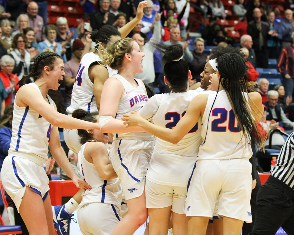 Sports roundup: Women's basketball clinches Jayhawk West title