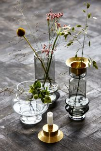 Les bougeoirs vases