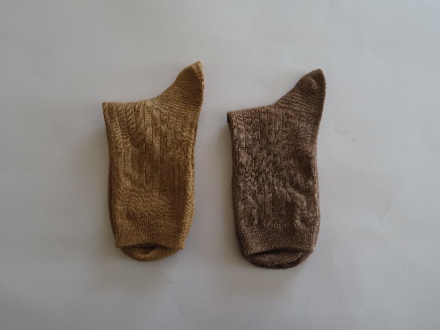靴下の紅茶染の鉄媒染と銅煤煙