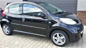 Peugeot 107 1.0 12V 5DR 2010 Zwart veel optie's UNIEK MOOI !