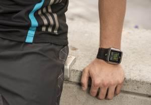 Адидас-Аdidаs-miCоаch-SМАRТ-RUN-умные-часы-на-базе-Android-4