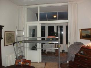 Aanzicht met oude ramen