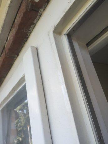 Oude ramen en tochtstrippen verwijderen