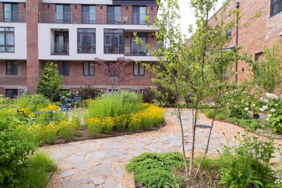 Highview Creations-Maujer Courtyard-Green Roofs NYC 10