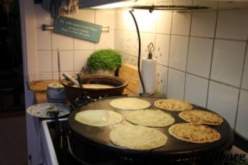 Grove pannekaker på steketakke