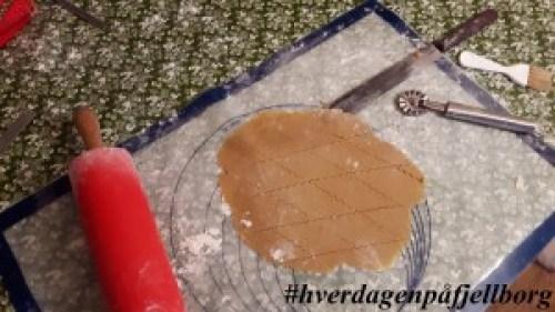 Å bake sirupsnipper med bestemor er fast tradisjon