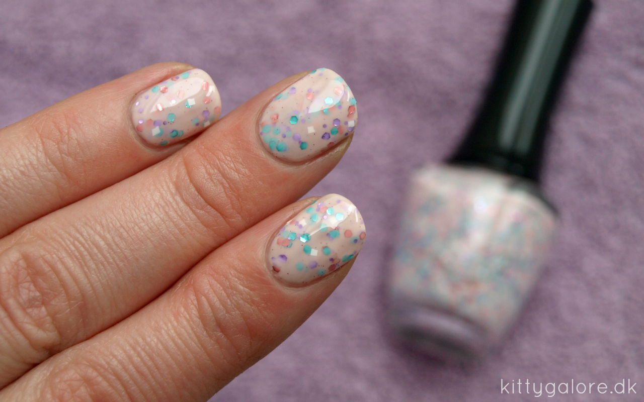 sommer K-beauty nail polish neglelak kittyglaore