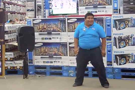 Sam's Club employee going hard : funny