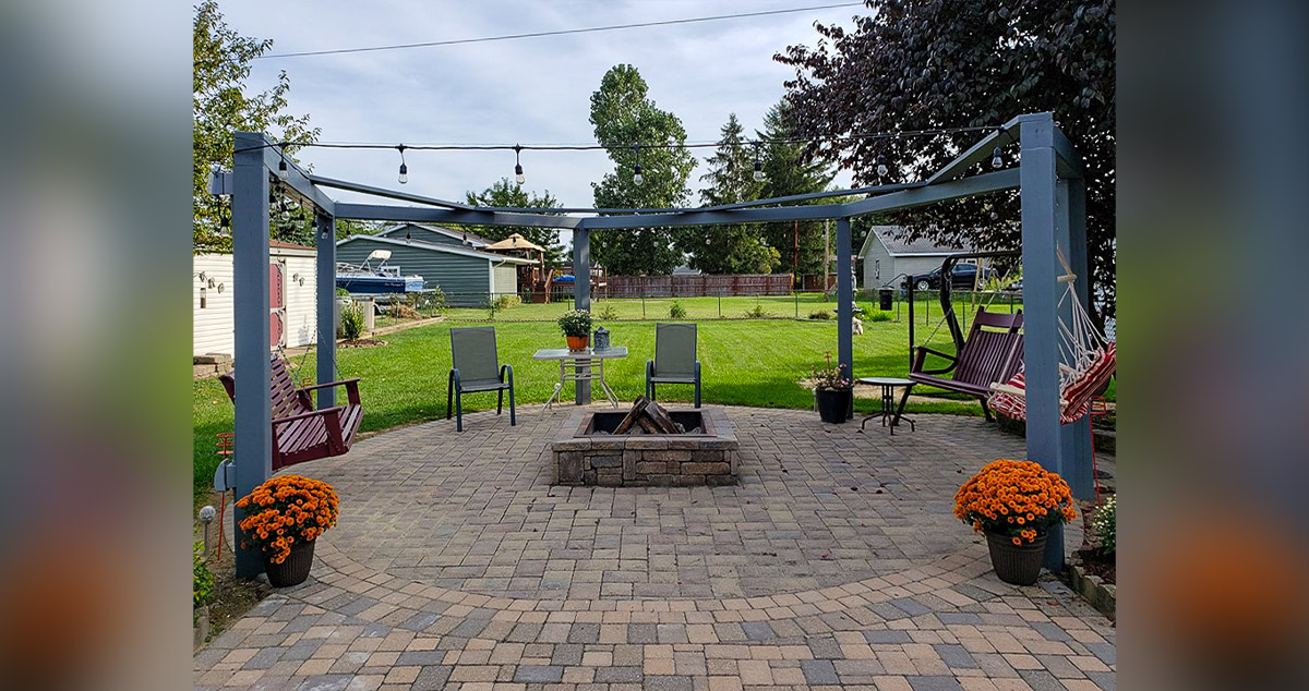 fire pit pergola with swings
