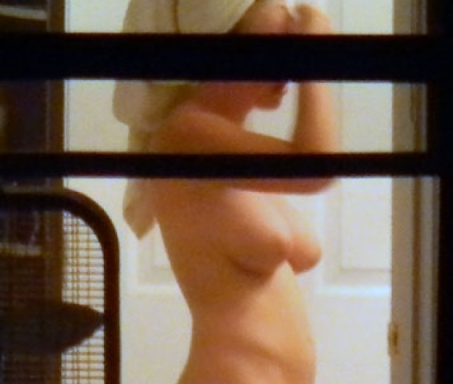 Pic 1 Nude Not So Shy Neighbor