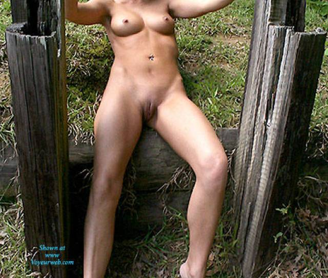 Amateur Photo Naked Blonde At The Posts