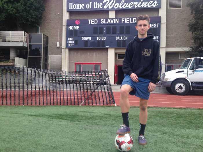 Boden Stringer '18 juggles soccer and school