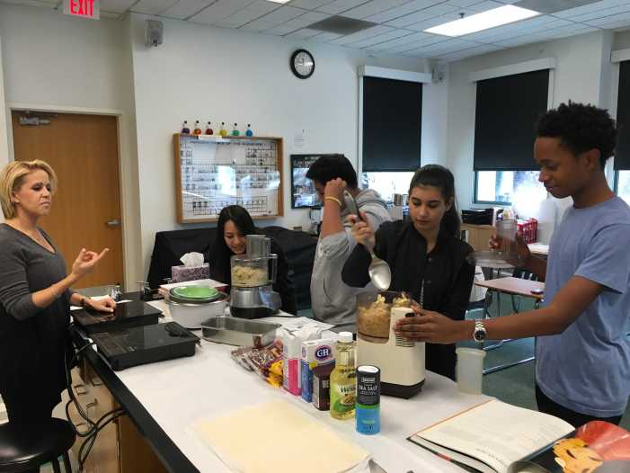 Alumna chef cooks with science class