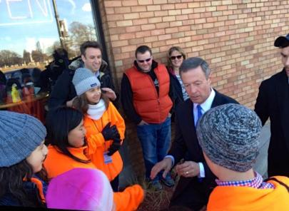Maryland governor Martin O'Malley talks with Carlthorp sixth grade students. Printed with permission of Peter Sheehy