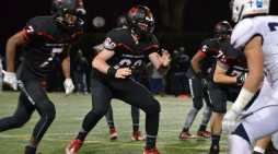 Offensive lineman commits to USC