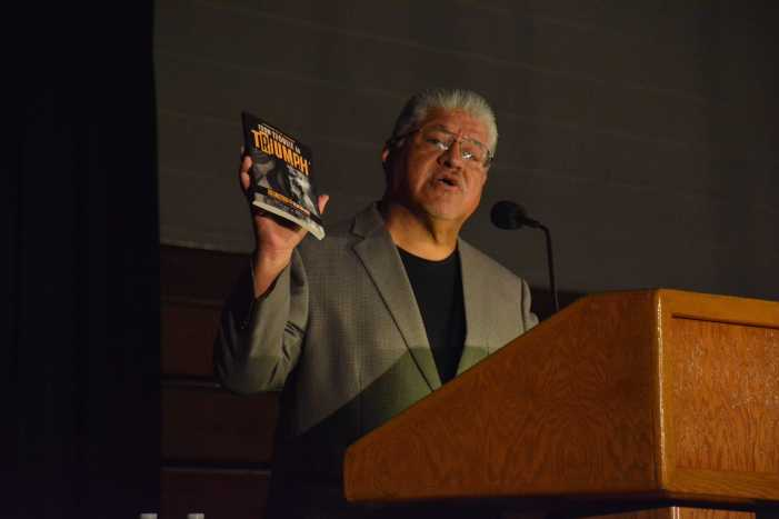 Poet, activist Luis Rodriguez speaks at assembly