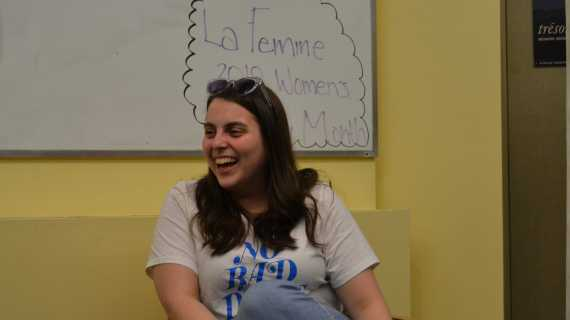 Actress Beanie Feldstein '11 speaks to students about her career and her time at the school