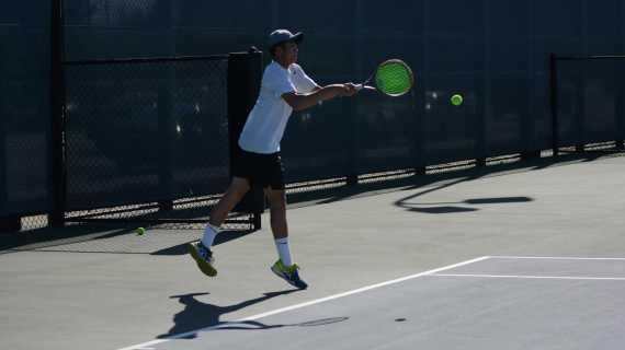 Boys' tennis continues league winning season
