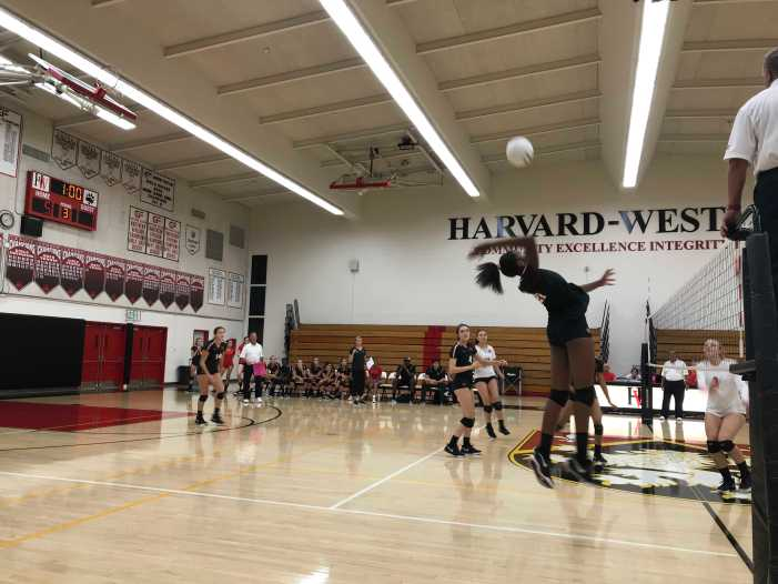 Girls' Volleyball Defeats FSHA 3-0