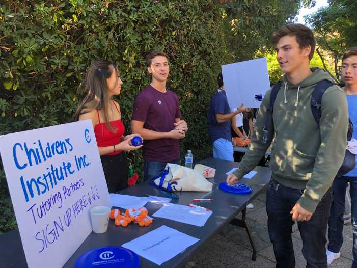 Students tour clubs at Activities Fair