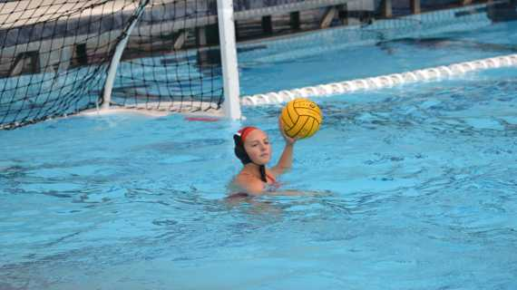 Girls' water polo cruises past Notre Dame on Senior Night