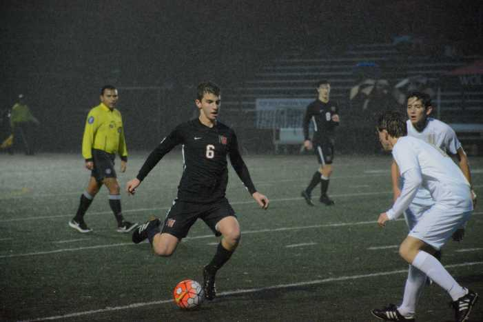 Boys' soccer blows late second half lead in tie with St. Francis
