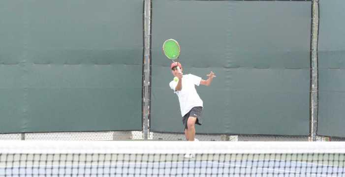 Boys' tennis wins third consecutive match