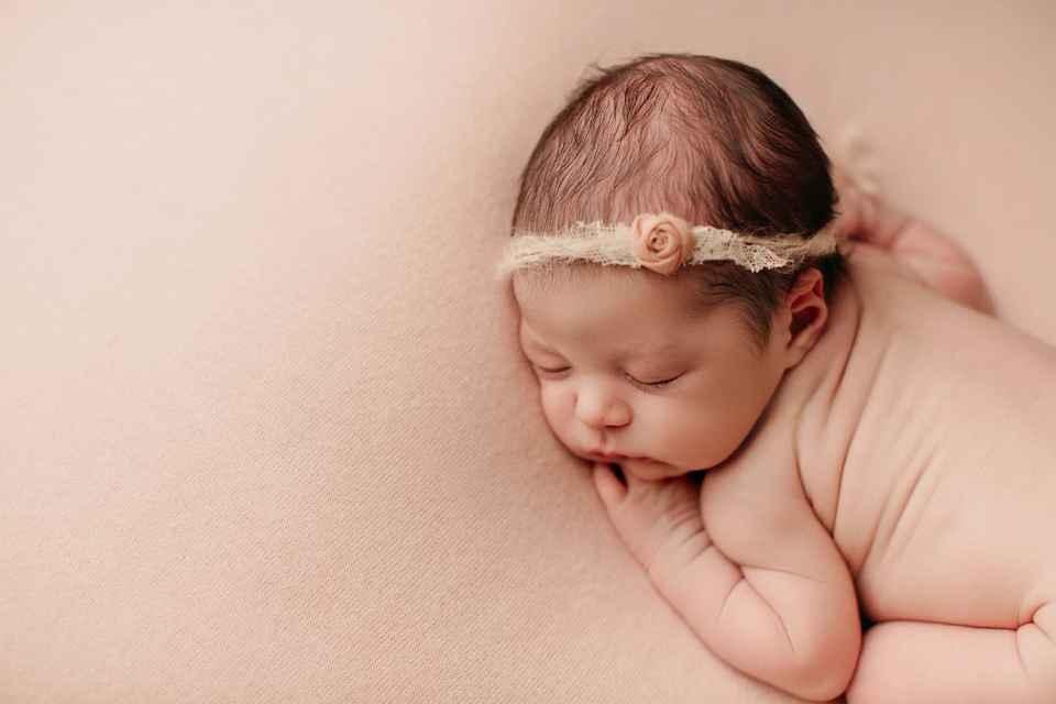 newborn rolls Denver newborn baby photographer