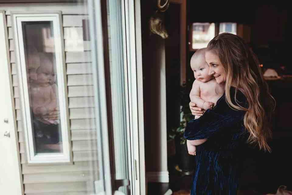 mom holding baby Denver baby photographer