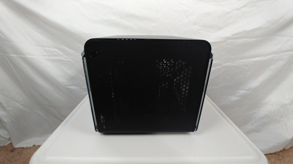 front of the metis evo case