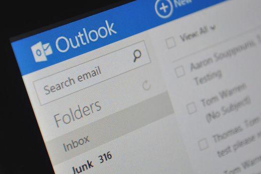 Outlook.com gece modu