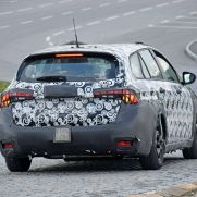 2021-Fiat-Tipo-SW-Cross-spy-shots-10