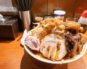 辛い小ラーメンと二代目悪魔肉100円