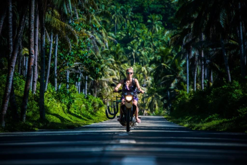Radosť jazdiť..okolo len džundla