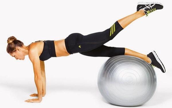 Упражнения на мяче для похудения: с чего начать и как ...