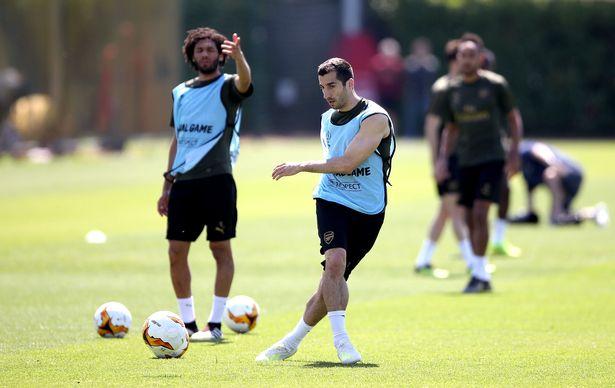 0_Arsenal-Training-Session-London-Colney