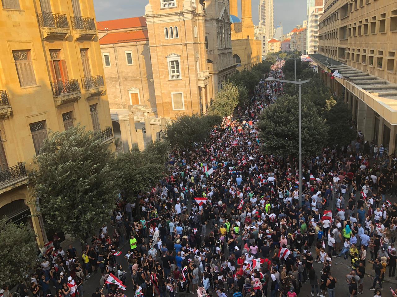 Protesters-gather-in-Beirut-in-October-2019