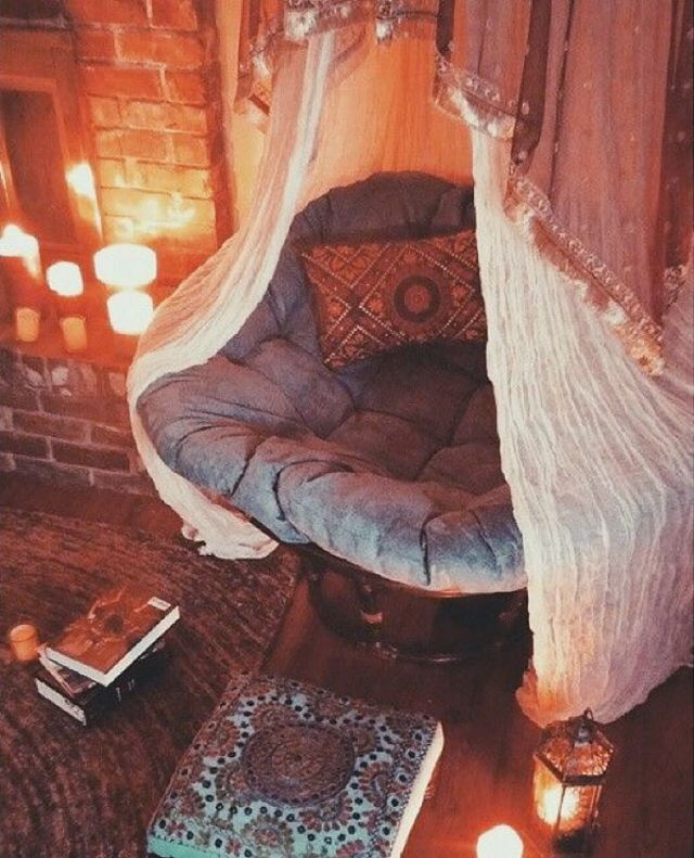 hygge reading nook with twinkle lights