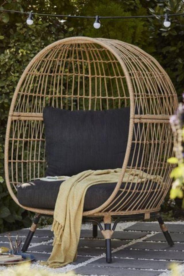 Ratten effect Egg Chair