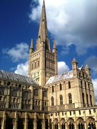 Norwich Cathedral (Norfolk) is one of the great Norman buildings of England