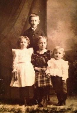 Mabel, Elmer, Nellie & Roy Walholm (L to R), c. 1901