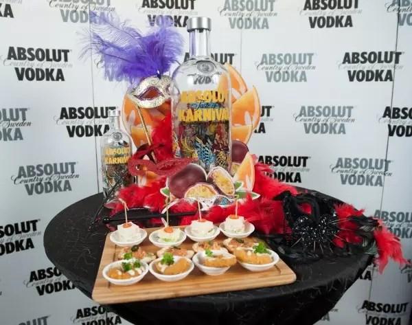 The new Absolut Karnival bottle design by Marvel artist Rafael Grampá embodies the transformative spirit of the Brazilian Carnival.