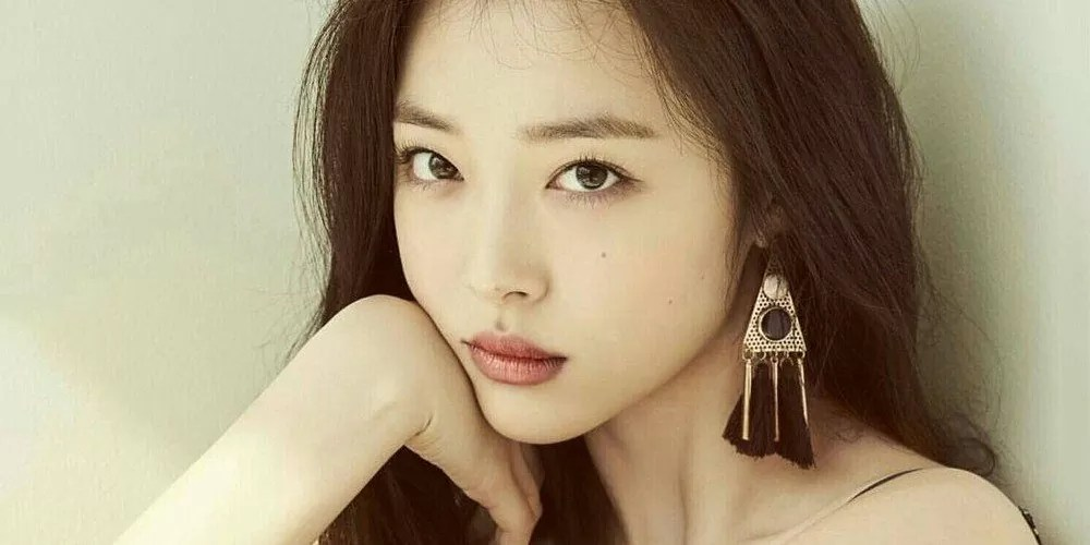 Sulli Dead - K-Pop Star & Actress Dies at 25