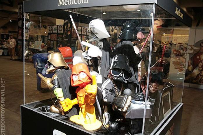 Medicom Toys Oversized Darth Vader Artist Series