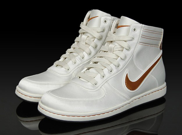 Nike Womens Air Scandal Medal Pack