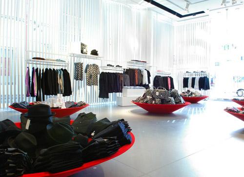 COMME des GARCONS for H&M Japan Launch