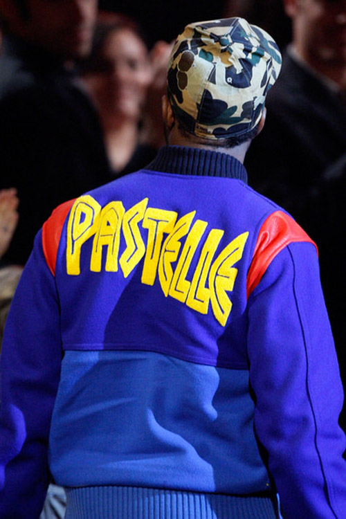Kanye West - Pastelle Jacket Preview at the American Music Awards