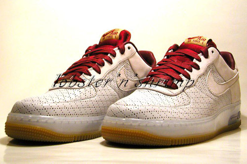 "Nike Air Force 1 Supreme ""Cavaliers"""