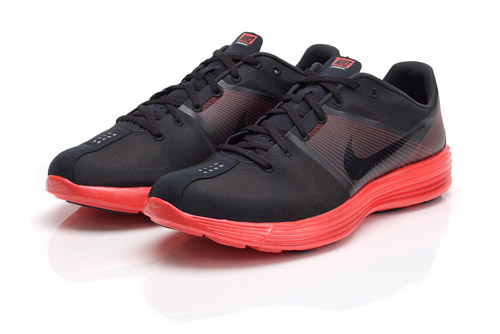 Nike Sportswear Lunar Racer Black Collection