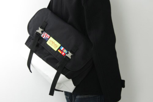Manhattan Portage World Flag Messenger Bag